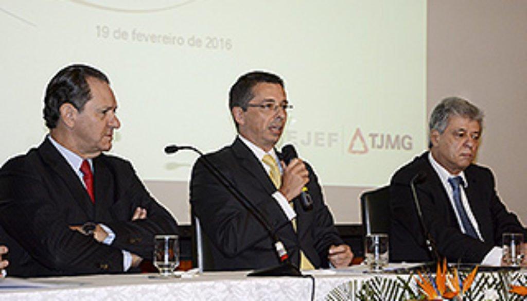 20160219 Magistrados se reúnem para discutir estratégias de gestão